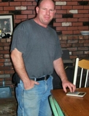 Carl 48 y.o. from USA